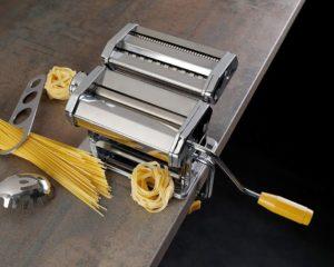 Nudeln herstellen mit der Axentia Nudelmaschine